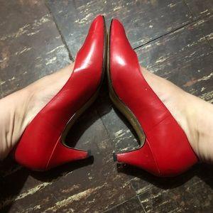 Life stride vintage red kitten heel